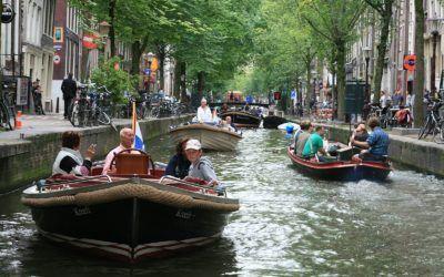 Op welke leeftijd mag je een boot besturen?
